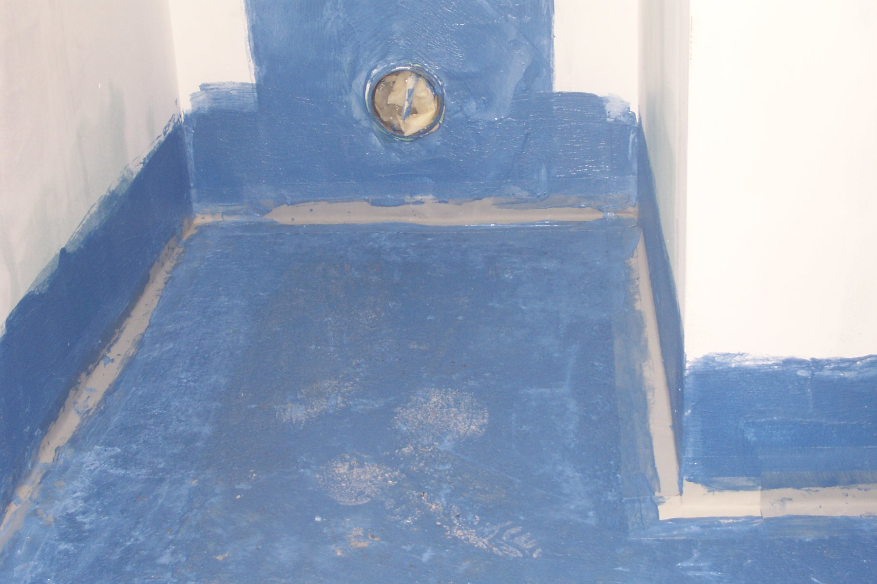 Гидроизоляция пола ванны 3